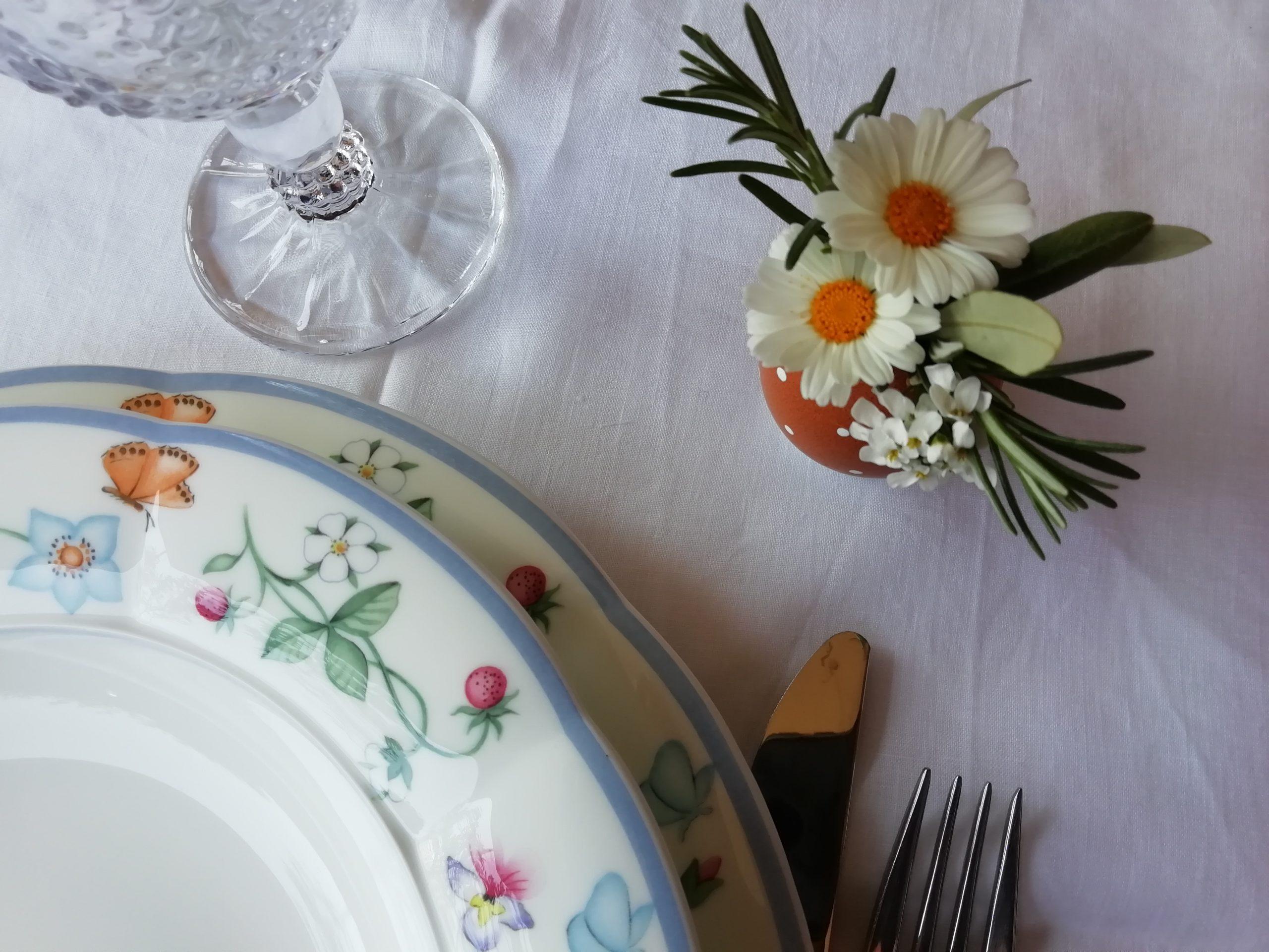 laboratorio floreale Pasqua uovo fiorito segnaposto
